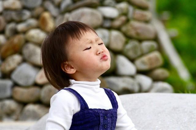 4 hành động của con khiến cha mẹ cực kỳ khó chịu nhưng lại chứng tỏ trẻ vô cùng thông minh - Ảnh 1.