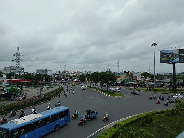 Cận cảnh điểm nóng có trên 1000 công trình vi phạm ở Sài Gòn - Ảnh 6.