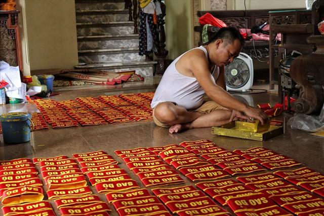 Hà Nội: Không khí nhộn nhịp ở làng nghề may cờ Tổ quốc - Ảnh 10.