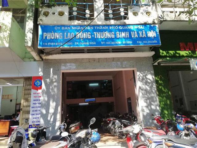 Bắt giam phó cơ quan Tổ chức - Nội vụ TP Quảng Ngãi - Ảnh 1.