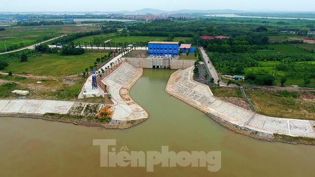 Cận cảnh nhà máy nước sạch lớn nhất Hà Nội có thể uống tại vòi - Ảnh 3.
