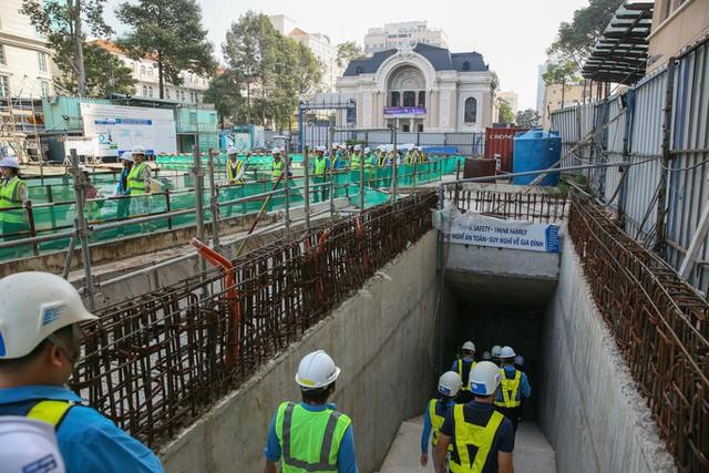 Diện mạo đường hầm Metro số 1 xuyên lòng đất tại trung tâm TP HCM - Ảnh 1.