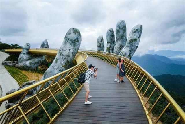 Du lịch Hong Kong, Nhật Bản ảm đạm vì căng thẳng chính trị, Đà Nẵng vượt Bangkok và đảo Guam hưởng lợi lớn nhất từ khách Hàn - Ảnh 2.