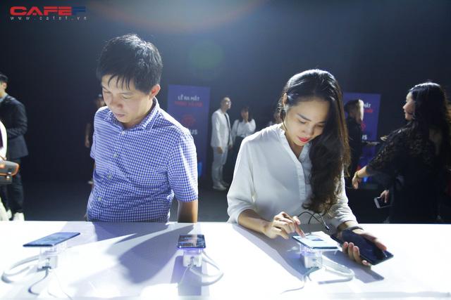Trải nghiệm MXH Lotus ngay trước giờ G: Các khách mời vô cùng thích thú với tính năng độc đáo, khác biệt trong sản phẩm của người Việt! - Ảnh 5.