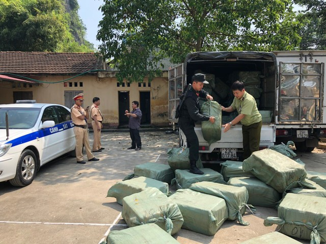 Hơn 2,3 tấn nầm lợn nhập lậu từ Trung Quốc bị chặn đứng tại Lạng Sơn - Ảnh 1.