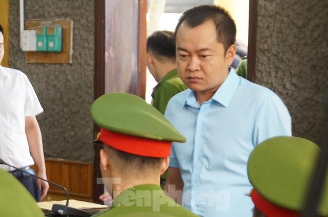 Bắt đầu xử loạt cán bộ giáo dục, công an Sơn La liên quan gian lận thi - Ảnh 3.