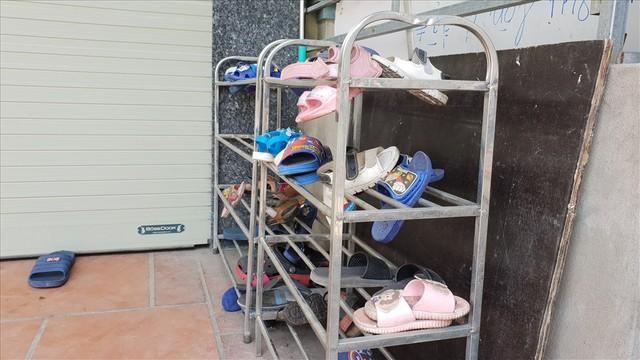Lái xe trường mầm non ở Bắc Ninh đã bỏ quên trẻ 3 tuổi trên xe như thế nào? - Ảnh 4.