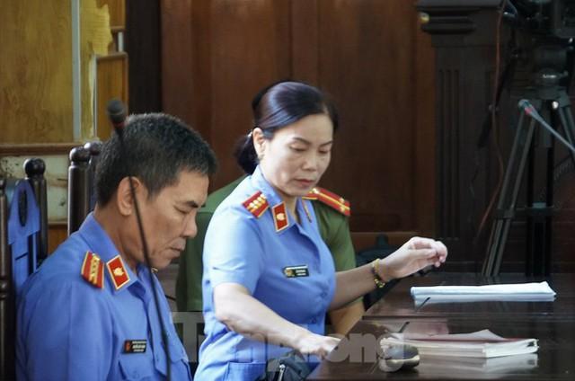 Bắt đầu xử loạt cán bộ giáo dục, công an Sơn La liên quan gian lận thi - Ảnh 7.