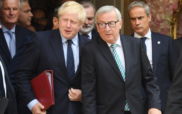 Thủ tướng Anh vẫn bế tắc trong chuyến đi đến Luxemburg bàn về Brexit - Ảnh 1.
