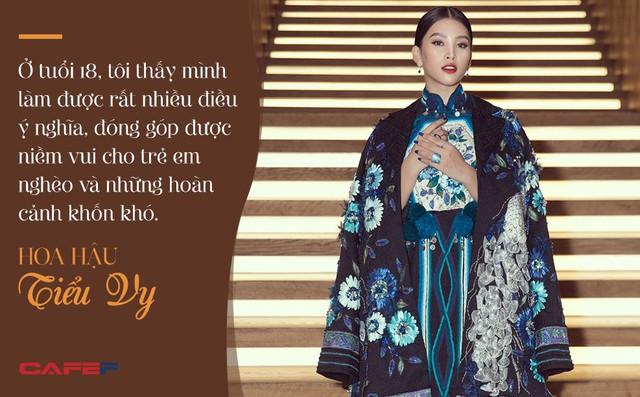 Đăng quang Hoa hậu Việt Nam khi mới 18 tuổi, một năm sau Tiểu Vy tâm sự: Niềm vui không thể đếm xuể - Ảnh 7.
