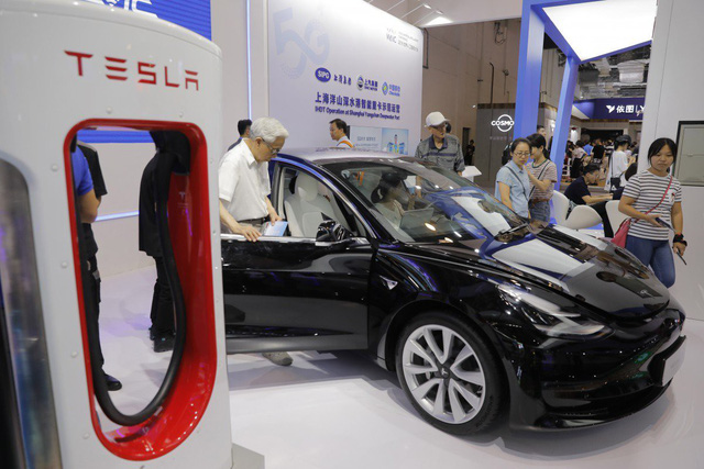 Trung Quốc miễn trừ 10% thuế mua hàng cho xe điện Tesla - Ảnh 2.