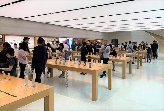 Chi 3 triệu đồng thuê người xếp hàng mua iPhone 11 tại Apple Store - Ảnh 1.