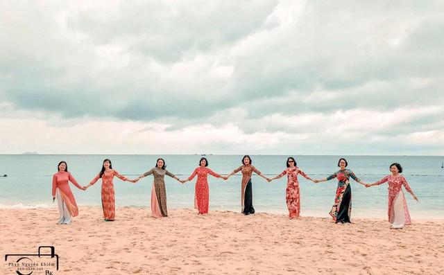 Bộ ảnh du lịch Phú Yên của hội những bà mẹ U50 chứng minh một điều rằng: Thanh xuân đã qua không có nghĩ là chúng ta già đi! - Ảnh 9.