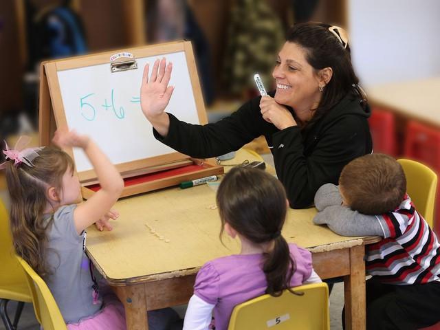 10 điều bất cứ bậc làm cha mẹ nào cũng phải tránh nếu không muốn con bị giáo viên trù dập - Ảnh 2.