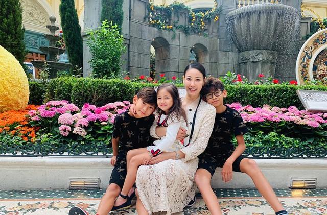 Hoa hậu có xuất thân khủng nhất Việt Nam: Cuộc đời long đong lận đận, trải qua sóng gió mới tìm thấy hạnh phúc - Ảnh 10.