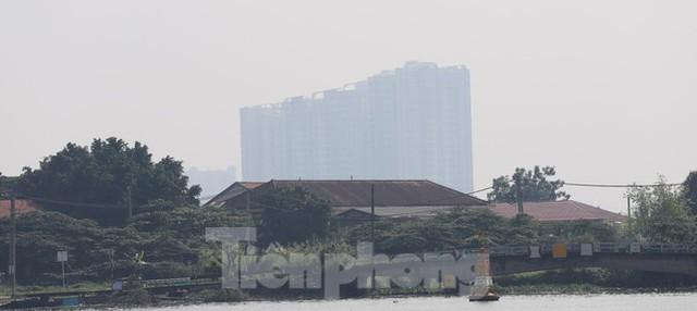 Sài Gòn mờ ảo trong sương mù - Ảnh 11.