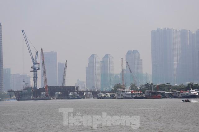 Sài Gòn mờ ảo trong sương mù - Ảnh 14.