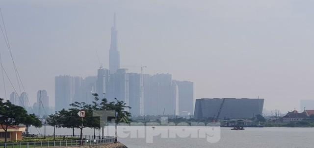 Sài Gòn mờ ảo trong sương mù - Ảnh 5.