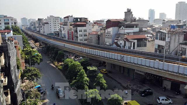 Cận cảnh đường sắt xây dựng hơn một thập kỷ, đội vốn hơn 18 nghìn tỷ - Ảnh 6.