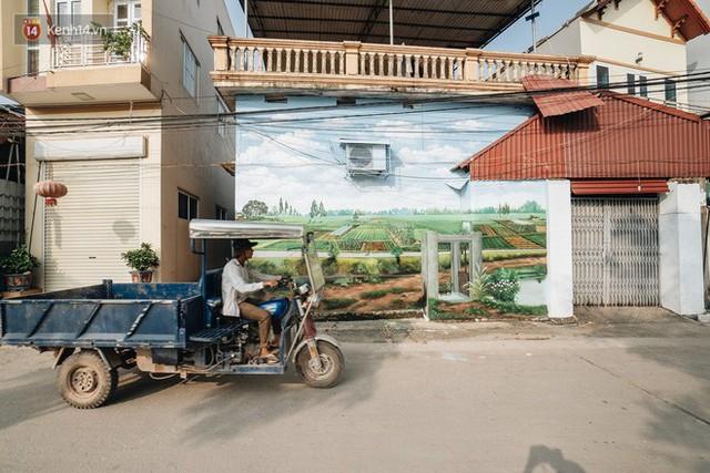 7 sinh viên biến làng trồng rau củ thành làng bích họa đầu tiên của Hà Nội - Ảnh 13.