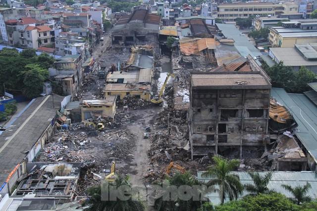 Gần 1 tháng cháy Cty Rạng Đông: Học sinh chưa về, trường mầm non vẫn im lìm - Ảnh 3.