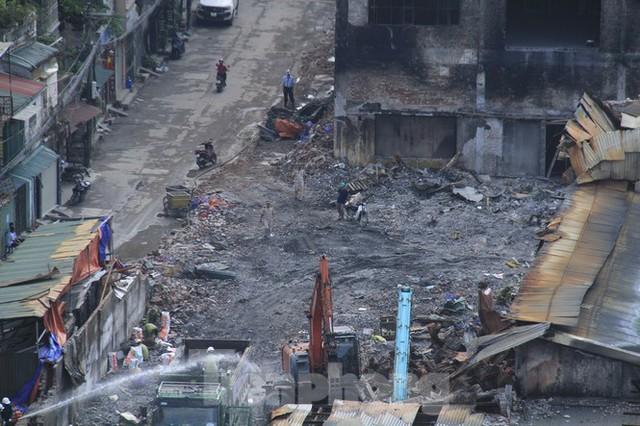Gần 1 tháng cháy Cty Rạng Đông: Học sinh chưa về, trường mầm non vẫn im lìm - Ảnh 6.