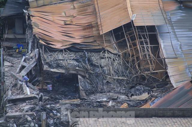 Gần 1 tháng cháy Cty Rạng Đông: Học sinh chưa về, trường mầm non vẫn im lìm - Ảnh 8.