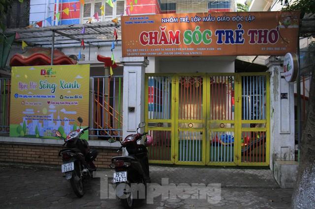 Gần 1 tháng cháy Cty Rạng Đông: Học sinh chưa về, trường mầm non vẫn im lìm - Ảnh 9.