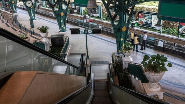 Khám phá công viên giải trí Disneyland hoang vắng nhất thế giới - Ảnh 8.