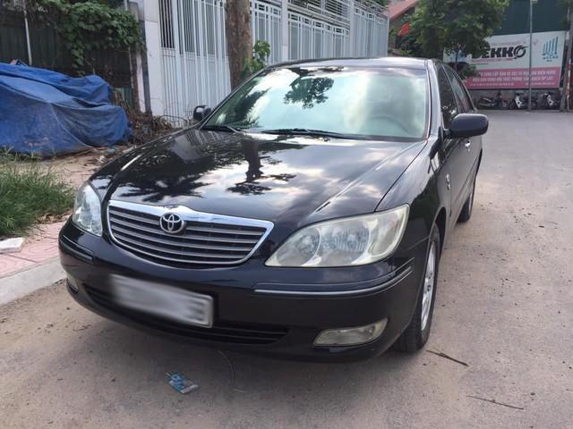 Xe sang Lexus, Camry bán giá siêu rẻ ở Việt Nam - Ảnh 1.