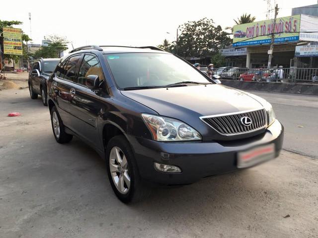 Xe sang Lexus, Camry bán giá siêu rẻ ở Việt Nam - Ảnh 2.