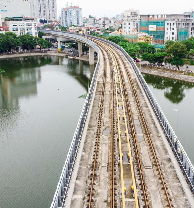 Cận cảnh đường sắt Cát Linh-Hà Đông tiến độ kiểu rùa bò hơn thập kỷ  - Ảnh 9.