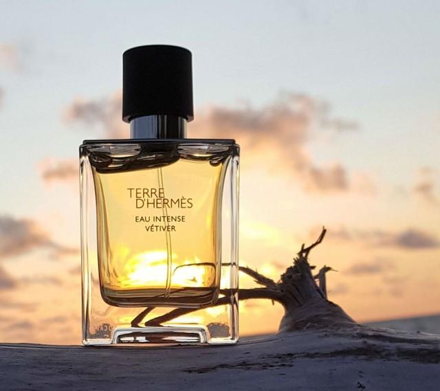 Chuyện ít biết về cách những nhà thiết kế mùi hương tài ba của Hermès tạo ra được dấu ấn khắc sâu trong ký ức của mỗi người về sự trưởng thành - Ảnh 1.