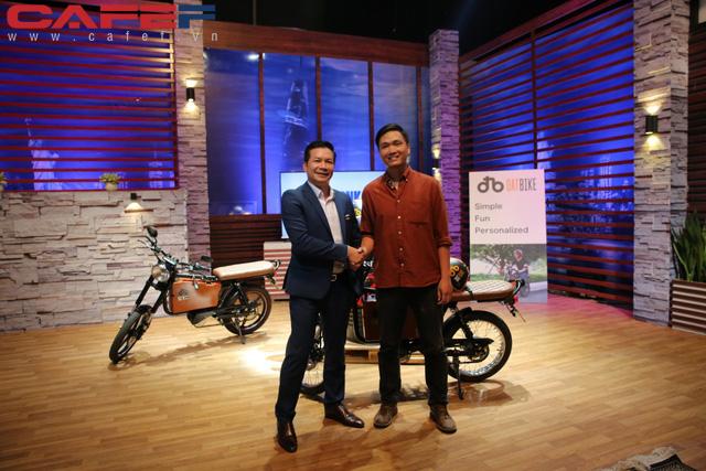 Bỏ Silicon Valley về Việt Nam khởi nghiệp, kỹ sư công nghệ sản xuất xe máy điện chỉ tốn 5.000 đồng một lần sạc pin chạy được 100km, rẻ bằng 1/10 chạy xăng - Ảnh 2.
