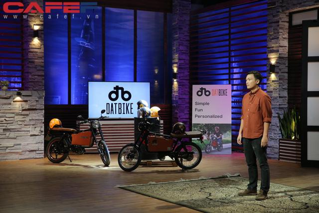 Bỏ Silicon Valley về Việt Nam khởi nghiệp, kỹ sư công nghệ sản xuất xe máy điện chỉ tốn 5.000 đồng một lần sạc pin chạy được 100km, rẻ bằng 1/10 chạy xăng - Ảnh 1.
