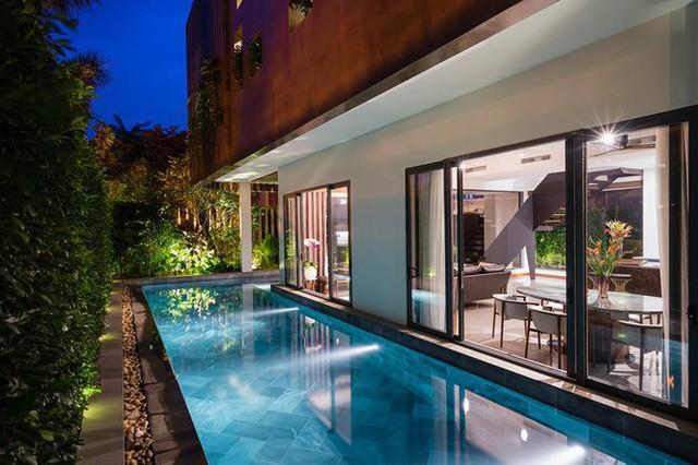 Biệt thự với mặt tiền xanh mướt, có bể bơi đẹp ngắm mãi không chán - Ảnh 3.