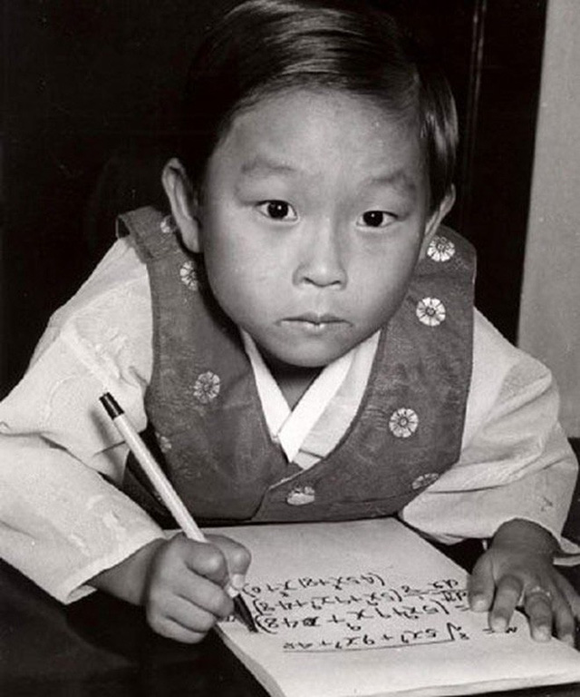 Thần đồng Hàn Quốc 8 tuổi đã được nhận vào làm ở NASA, quyết chọn cuộc sống bình thường rồi bị người đời chỉ trích là thiên tài thất bại - Ảnh 4.