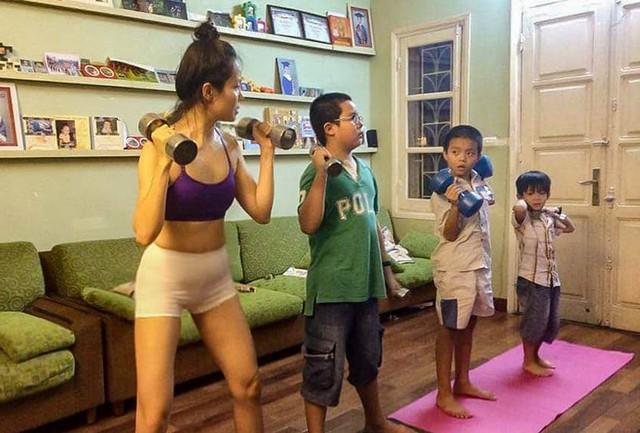 Bà mẹ Hà Nội dạy con theo kiểu nhà binh: Sáng điểm tâm nhẹ bằng 10km chạy bộ, trời rét vẫn tắm nước lạnh - Ảnh 2.