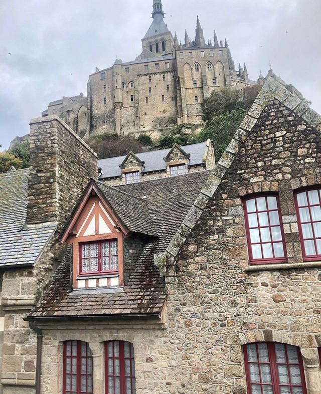 Hòn đảo cổ tích Mont Saint Michel: Hot không thua kém gì tháp Eiffel, thuộc top 3 địa điểm check-in ảo diệu nhất tại Pháp - Ảnh 9.