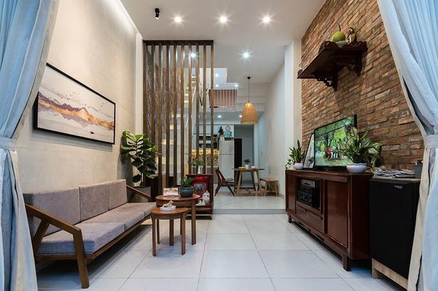 Ngôi nhà nằm sâu trong hẻm ở Sài Gòn đẹp ngỡ ngàng - Ảnh 3.