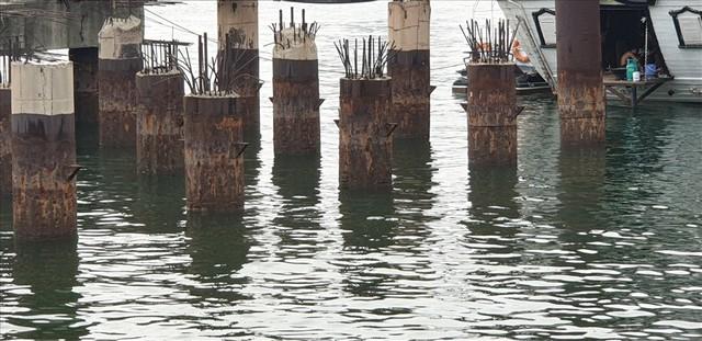 Cảng trăm tỉ Vinashin Hòn Gai nham nhở cột bê tông, thành nơi... câu cá - Ảnh 3.