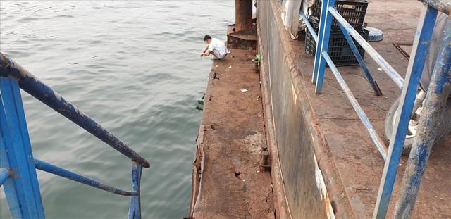 Cảng trăm tỉ Vinashin Hòn Gai nham nhở cột bê tông, thành nơi... câu cá - Ảnh 7.