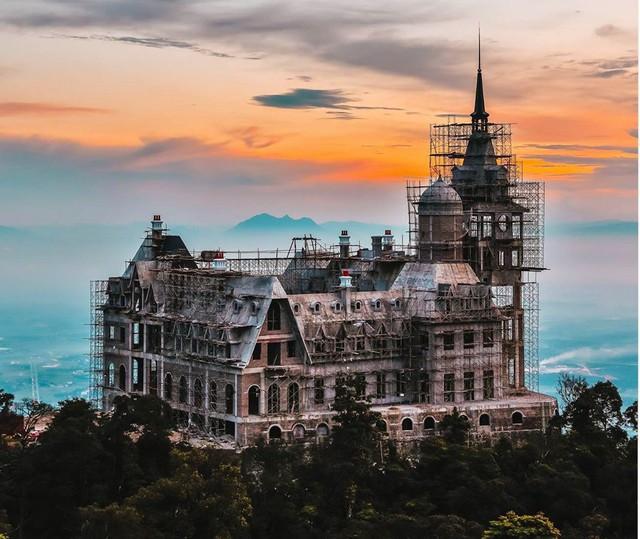 Đại gia BĐS kín tiếng tiết lộ gì về lâu đài khủng trên đỉnh Tam Đảo? - Ảnh 13.