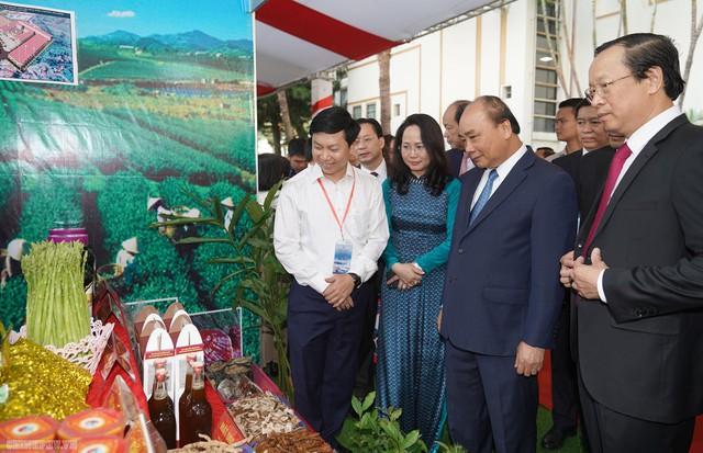 Thủ tướng: Làm sao để mỗi khách du lịch đến Lạng Sơn phải mua 1 con vịt quay mang về - Ảnh 2.