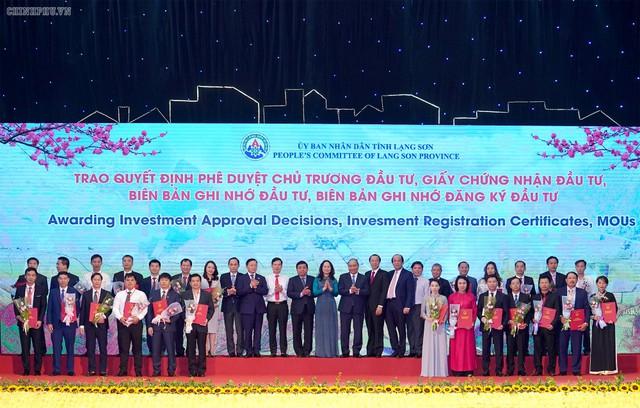 Thủ tướng: Làm sao để mỗi khách du lịch đến Lạng Sơn phải mua 1 con vịt quay mang về - Ảnh 3.