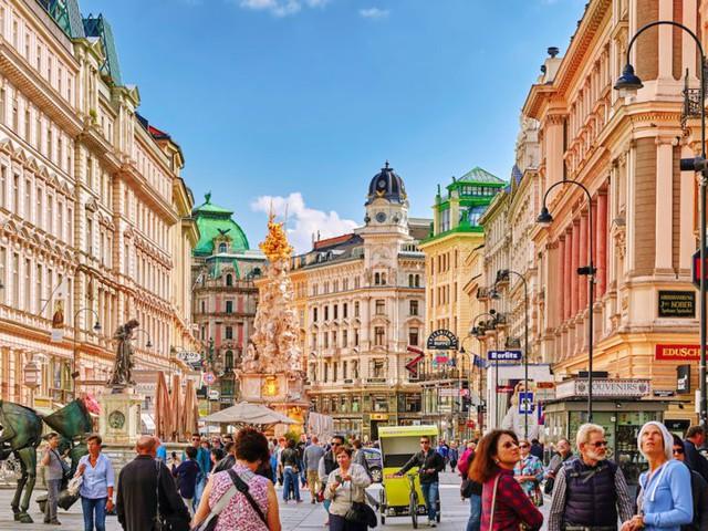Không phải New York, Thượng Hải hay Singapore, đây mới là thành phố đáng sống nhất thế giới năm 2019: Dẫn đầu 2 năm liên tiếp! - Ảnh 3.