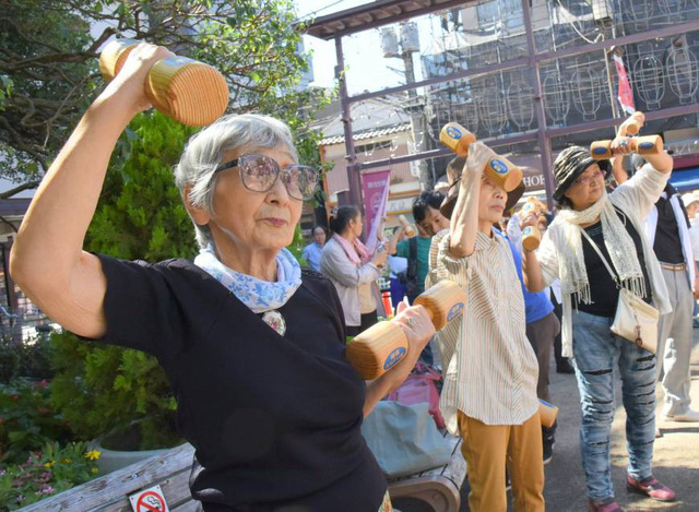 """Okinawa - vùng đất của những người bất tử: Hãy nhìn vào cách sinh hoạt của những người dân nơi này để thấy chúng ta đã """"sống sai cách"""" như thế nào - Ảnh 1."""
