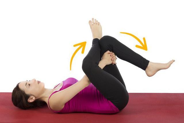 Cách giảm đau lưng nhanh chóng mà không cần tập nhiều: Chỉ kiên trì giữ yên 6 động tác - Ảnh 2.