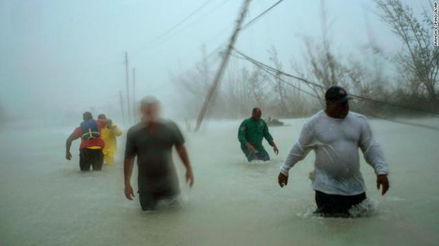 Bahamas hoang tàn như tận thế sau siêu bão quái vật Dorian, 20 người th.iệt m.ạng - Ảnh 2.