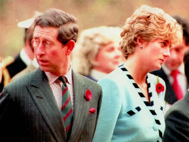 Công nương Diana: Cuộc đời đẫm nước mắt của đoá hồng nước Anh xinh đẹp, tài hoa nhưng bạc mệnh - Ảnh 13.